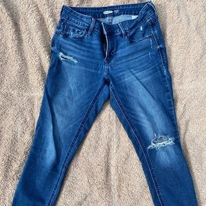 SOLD—-Old Navy skinny jeans size 2
